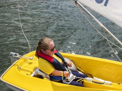 'Er is zelfs iemand die met zijn kin een boot bestuurt' - Jonah Falke
