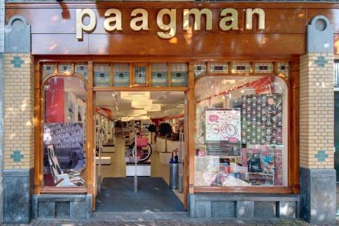 Susan Smit bezoekt Boekhandel Paagman in Den Haag