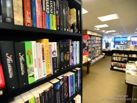 Susan Smit bezoekt boekhandel Broekhuis in Hengelo