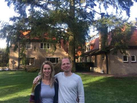 Nu online: podcast Lopen met Lebowski met Marion Pauw in villa die haar inspireerde voor haar roman