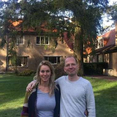 Nu online: podcast Lopen met Lebowski met Marion Pauw in villa die haar inspireerde voor haar roman  - Marion Pauw