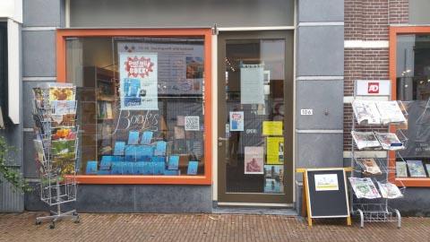 Hugo Borst opent Schiedams Boekhuis - Hugo Borst