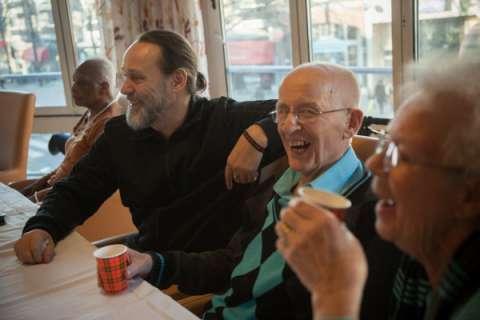 Adelheid Roosen en Hugo Borst maken televisieserie over dementie: In De Leeuwenhoek  - Hugo Borst