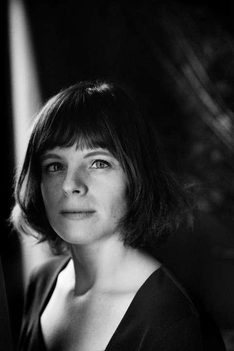 Agenda: Anneleen Van Offel over haar roman 'Hier is alles veilig' (interviews, optredens, lezingen)