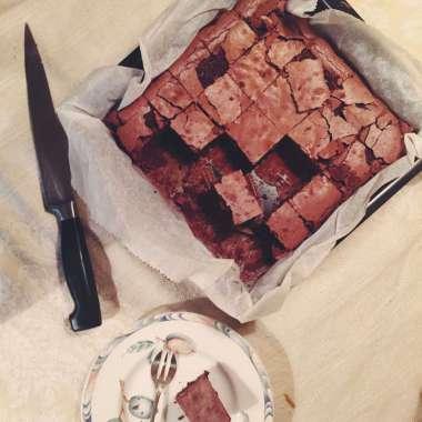 De smeuïgste klassieker tegen liefdeszeer: zelfgemaakte brownies