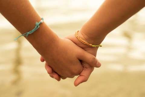De vriendschap tussen mijn dochter en haar beste vriend is de meest onbaatzuchtige die ik ken - Elke Geurts