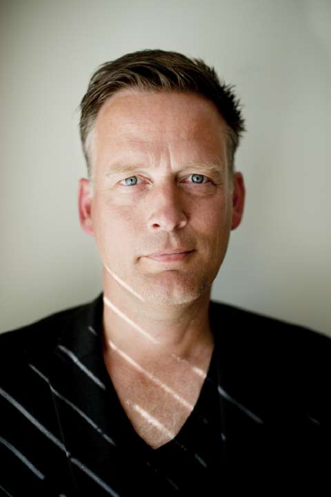 Erik Jan Harmens in Trouw over het voelen en de liefde - Erik Jan Harmens