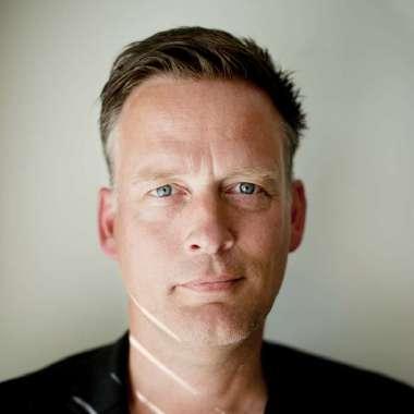 Erik Jan Harmens jurylid landelijke poeziewedstrijd Het andere gedicht