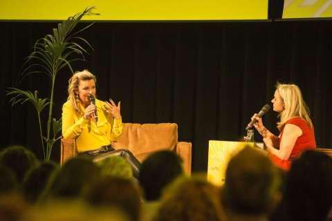 Interview Saskia Noort door Raymond van de Klundert (Kluun) in Amstelveen