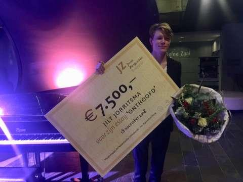 Jilt Jorritsma wint Joost Zwagerman Essayprijs 2018