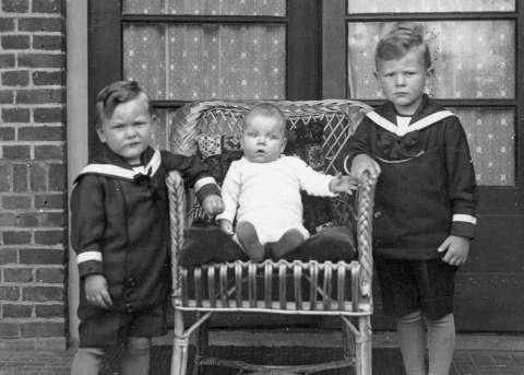 Jonah Falke schreef Verhaal van de Dag op Vrij Nederland over zijn gewelddadige opa - Jonah Falke
