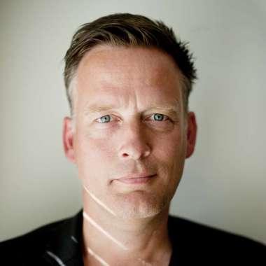 Nachtelijke poëzie van Harmens bij Nooit Meer Slapen  - Erik Jan Harmens