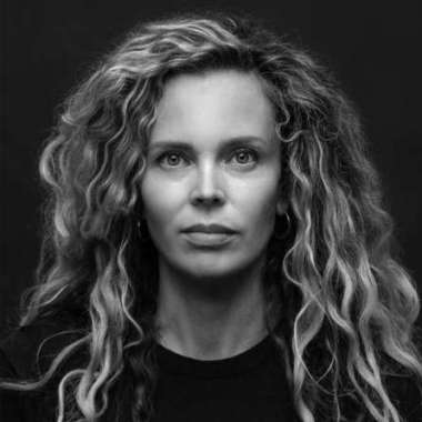 Roxane van Iperen met ''t Hooge Nest' op shortlist van Opzij Literatuurprijs 2019  - Roxane van Iperen