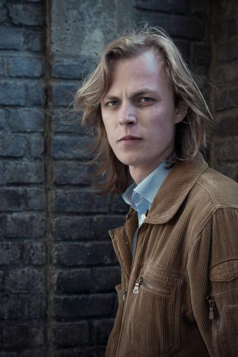 Teruglezen en -luisteren: Jonah Falke voor Vrij Nederland - Jonah Falke